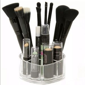Other - 🔥3/$20 Heart Shape Makeup Brush Organizer Holder